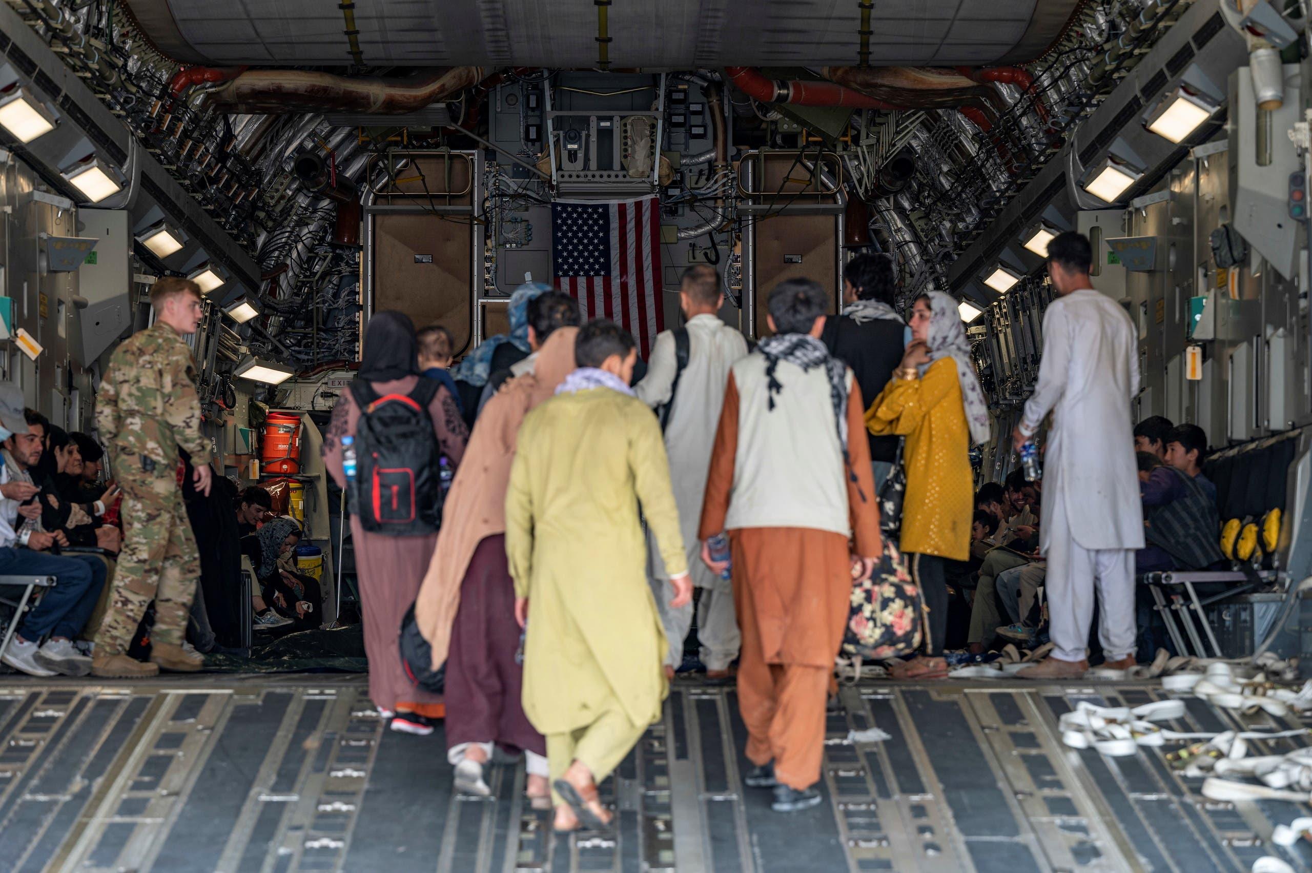 من عمليات الإجلاء من مطار كابل - رويترز