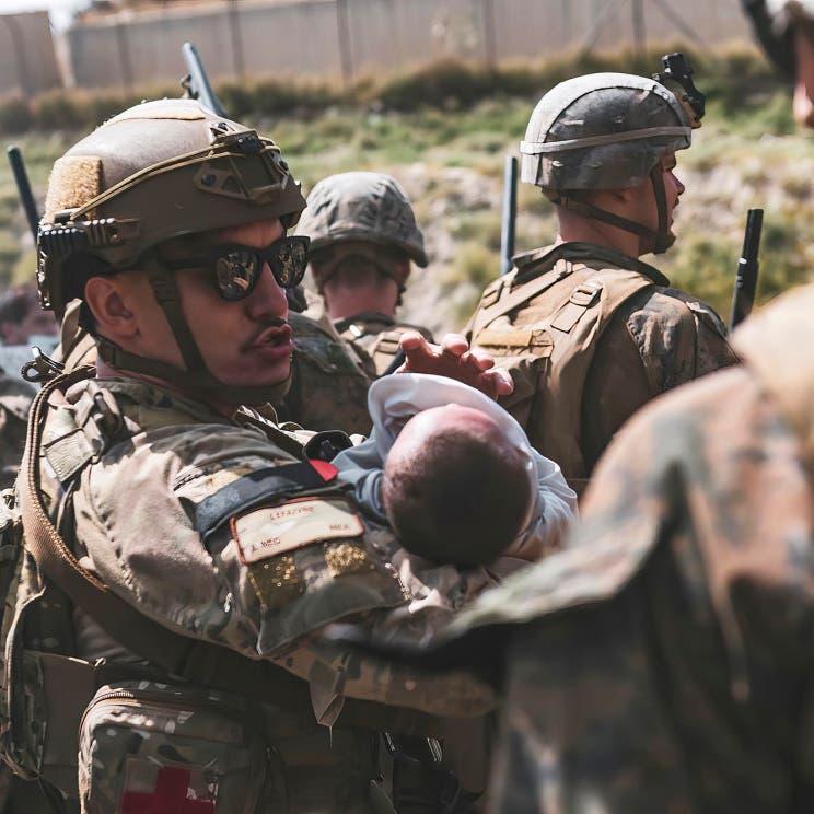 قُتلت ابنتها دهساً بمطار كابل.. أم أفغانية تروي تفاصيل مروعة