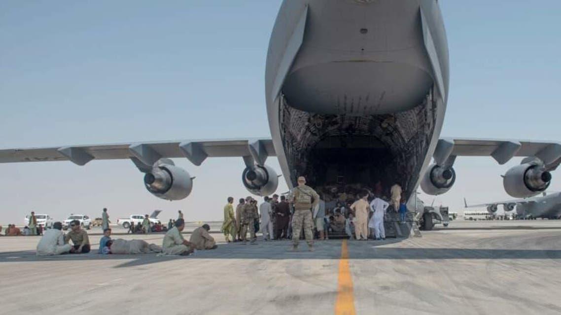 هواپیمای نظامی در فرودگاه کابل