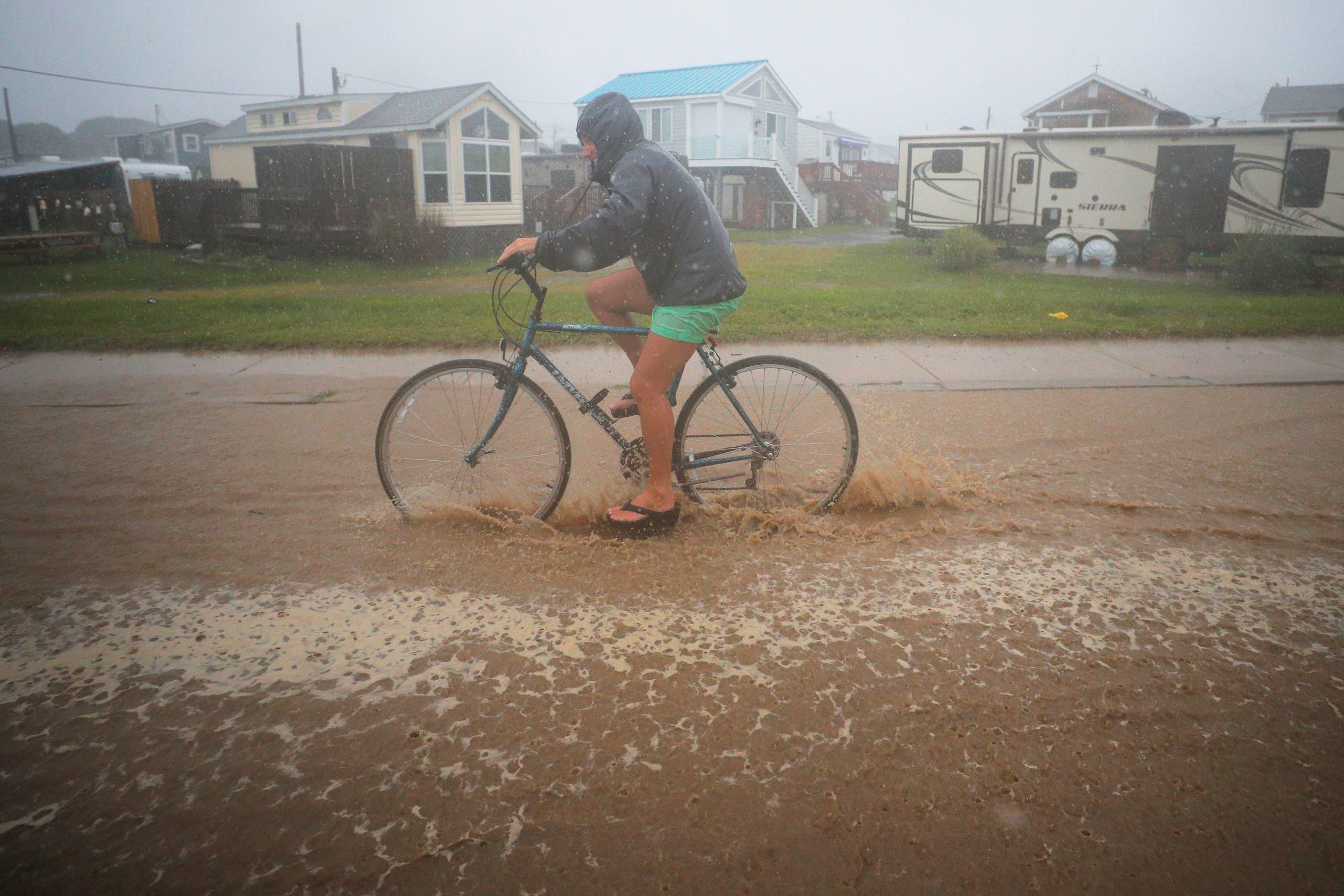 العاصفة تضرب رود ايلاند