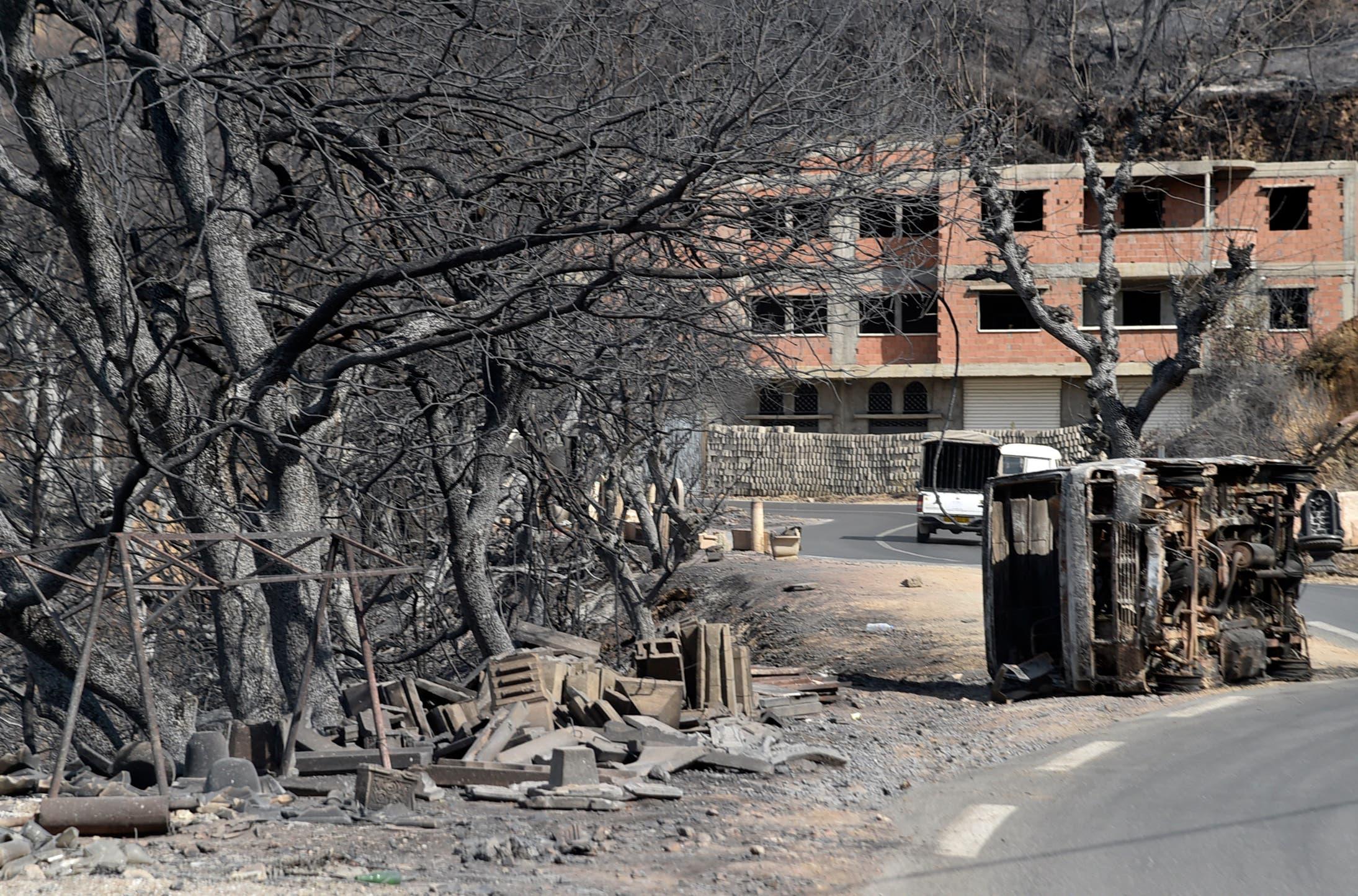الدمار الذي خلفته الحرائق في الجزائر