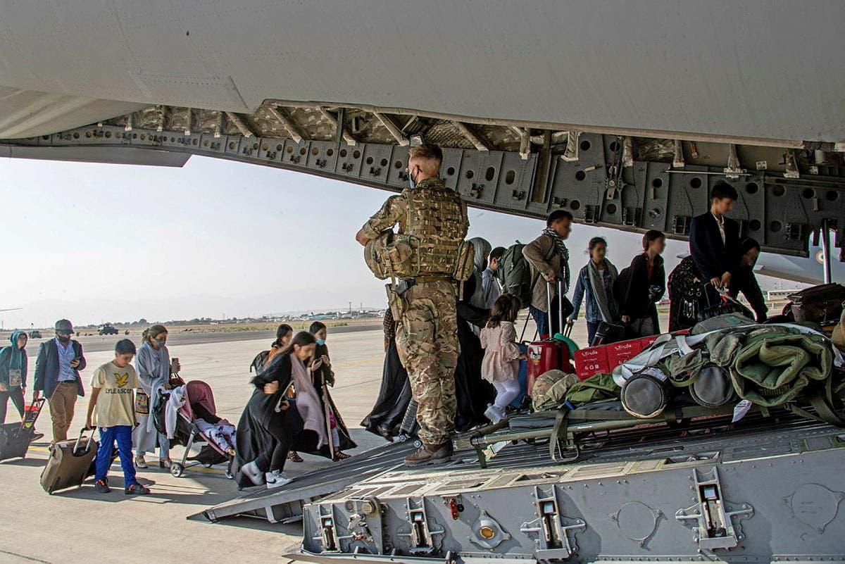 من عمليات الإجلاء البريطانية في مطار كابل