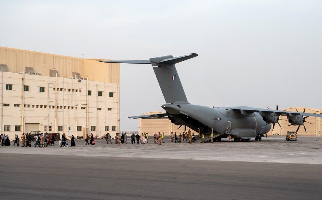 من عمليات الإجلاء التي تقوم بها فرنسا من كابل - فرانس برس