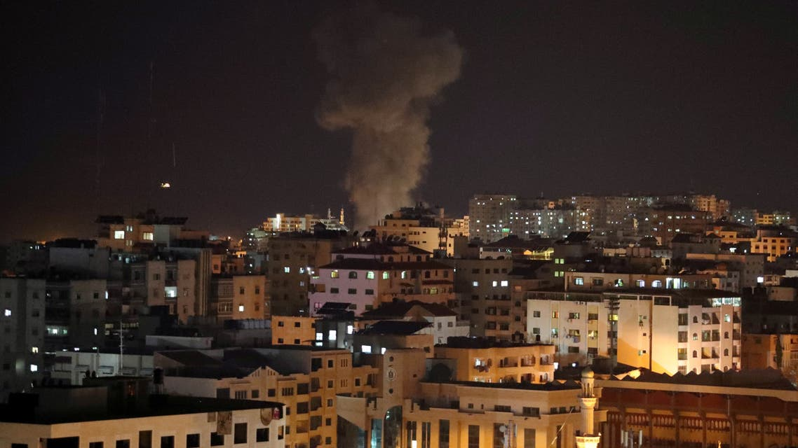 Smoke rises following an Israeli air strike in Gaza November 12, 2018. REUTERS/Suhaib Salem