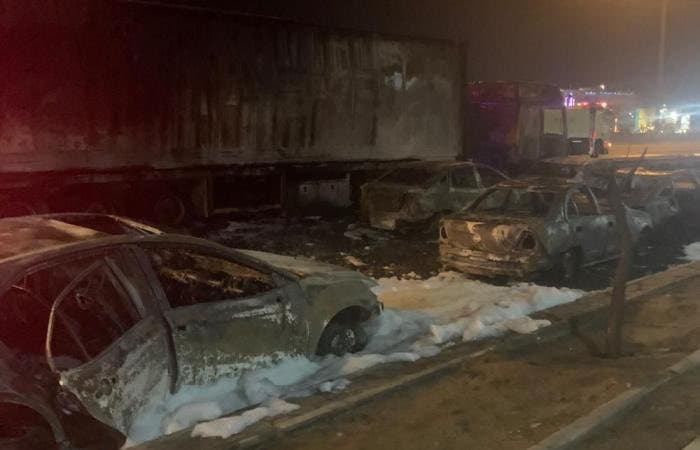 A photo published August 24 2021 showing vehicles damaged after a fire broke out on the Mecca-Jeddah highway when a fuel truck was involved in a traffic accident. (Twitter)