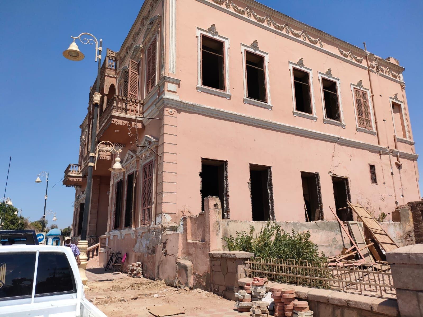 من أعمال إزالة قصر أندراوس