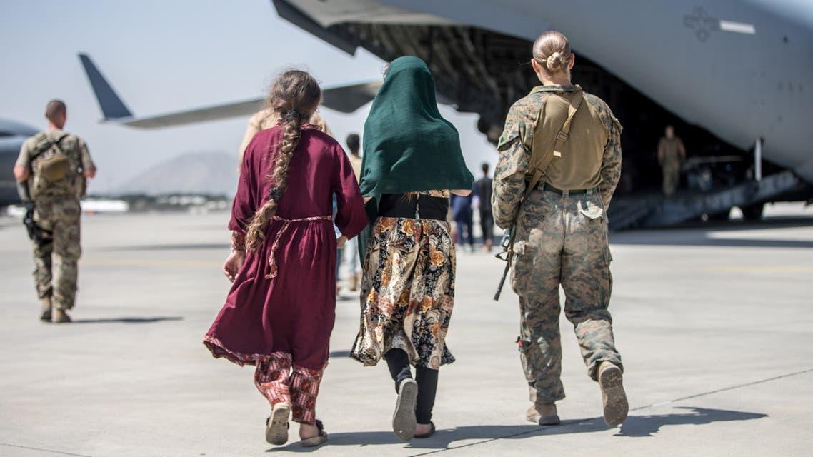 قوات أميركية في مطار كابل (رويترز)