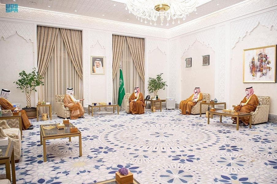 ولي العهد السعودي الأمير محمد بن سلمان بن عبدالعزيز، اليوم الأربعاء، مع وزير الخارجية القطري الشيخ محمد بن عبدالرحمن آل ثاني