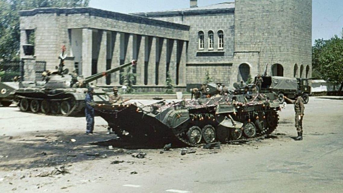 جانب من الدبابات بكابول عقب ثورة ثور