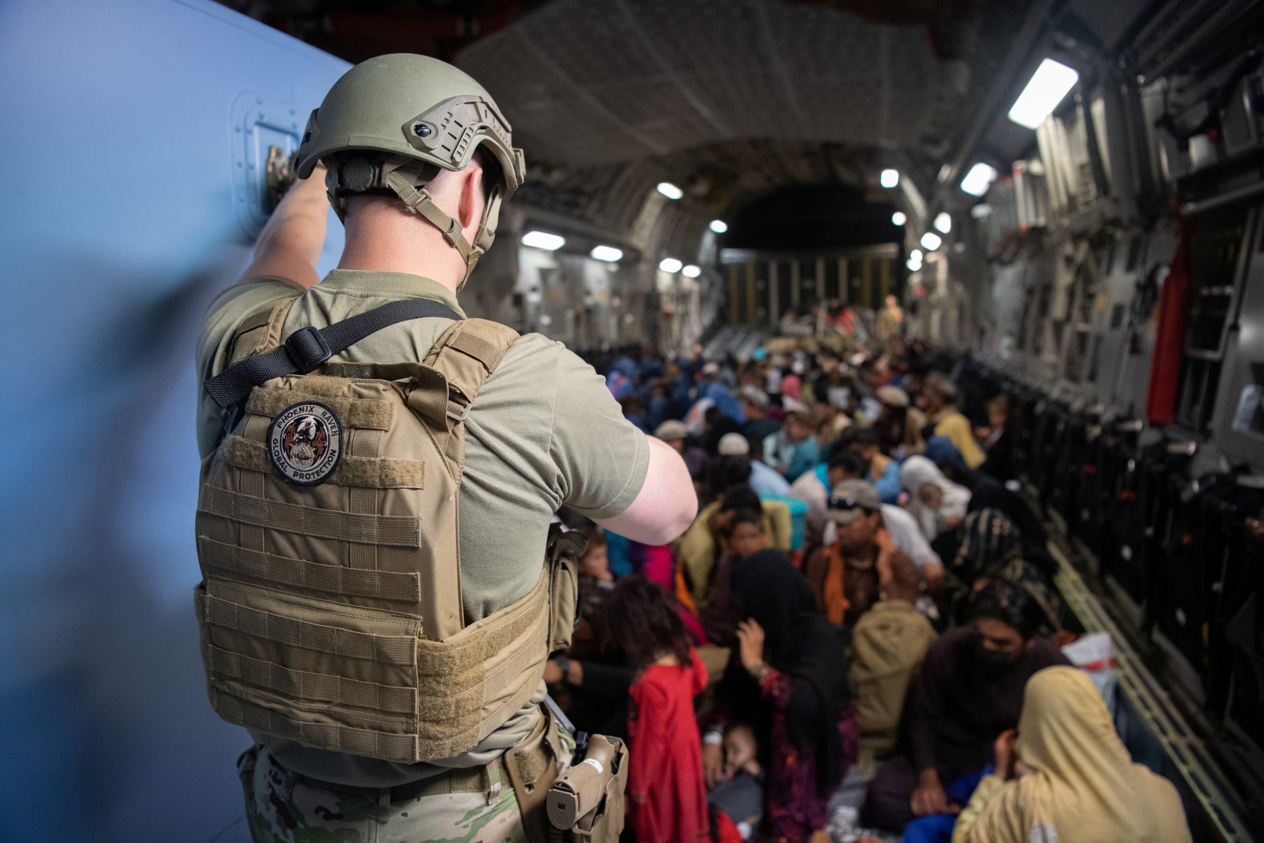 من عمليات الإجلاء الأميركية في مطار كابل