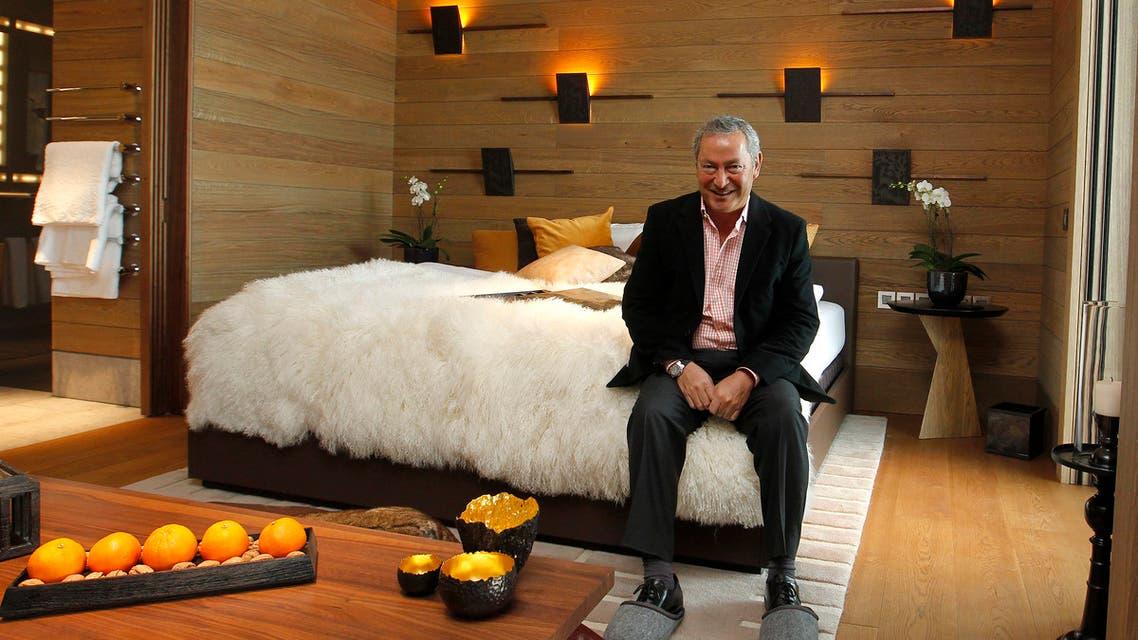 سميح ساويرس في إحدى غرف فندق Chedi Andermatt