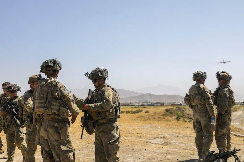 قوات أميركية بمطار كابل