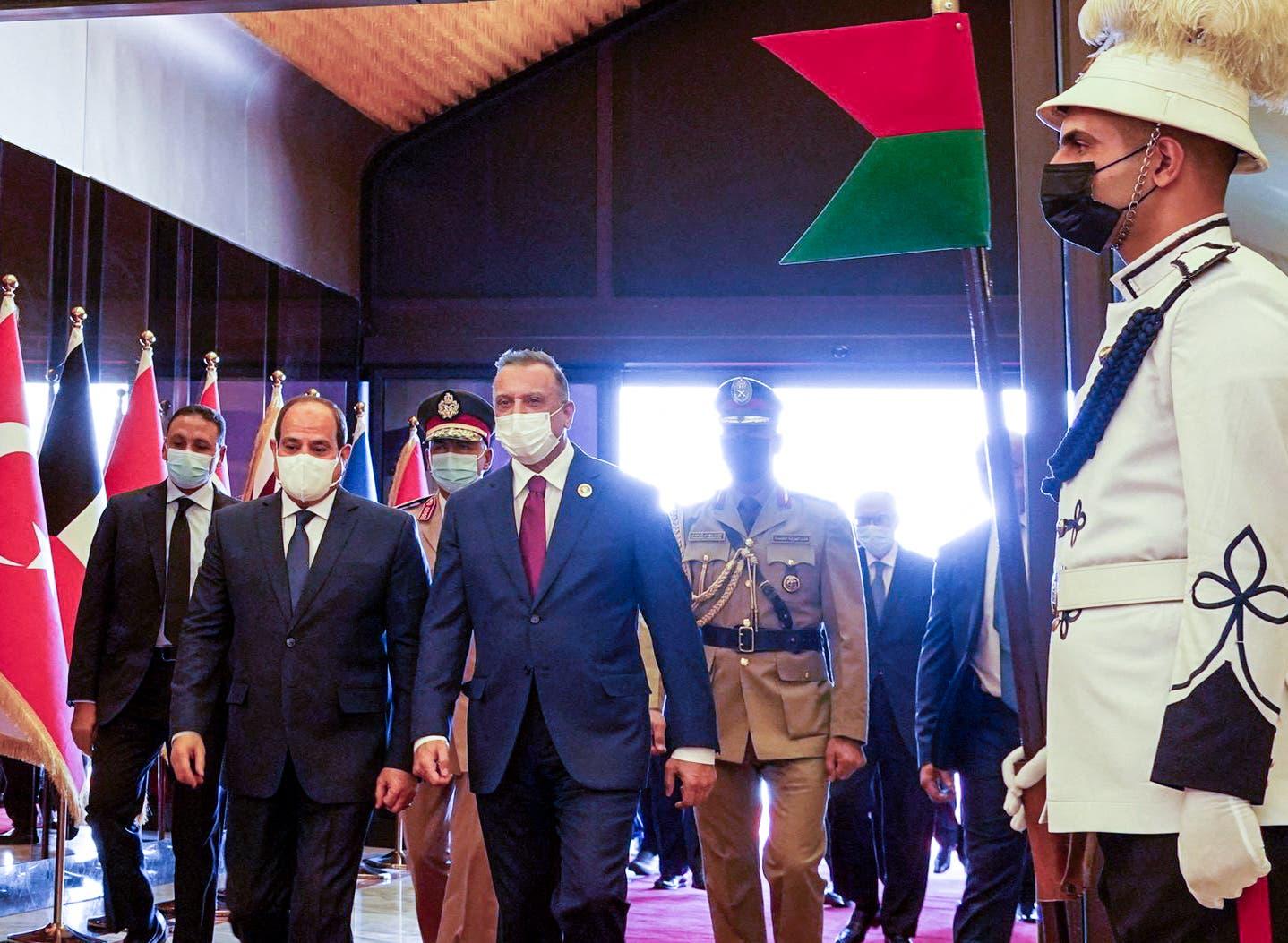 جانب من وصول الرئيس عبدالفتاح السيسي