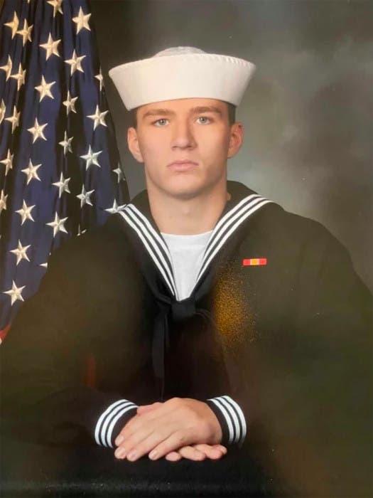 الجندي Maxton Soviak  أحد ضحايا تفجير كابل