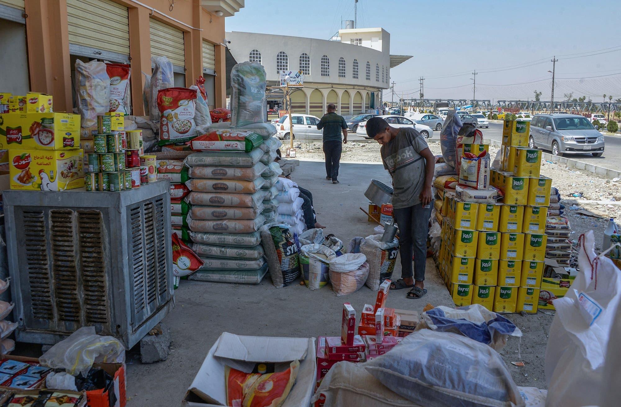 من سوق الكورنيش في الموصل (أرشيفية من فرانس برس)