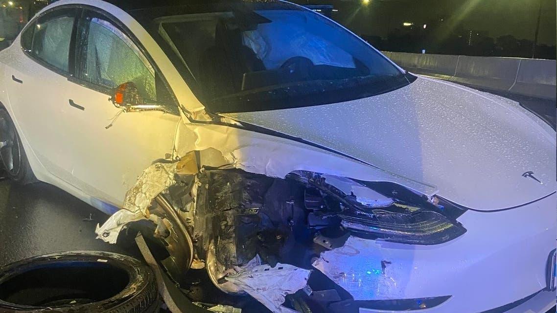 حادث تسلا مع سيارة شرطة