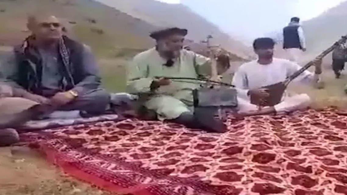 صورة من مقطع فيديو للفنان الشعبي فؤاد أندرابي