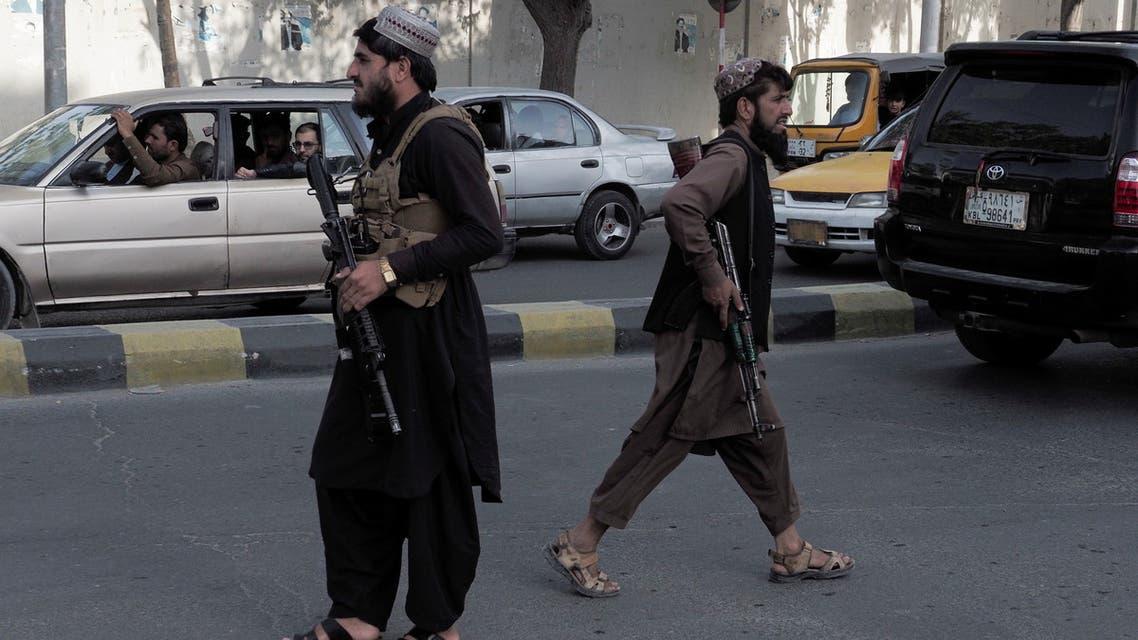 عناصر من طالبان في احد شوارع كابل (رويترز)