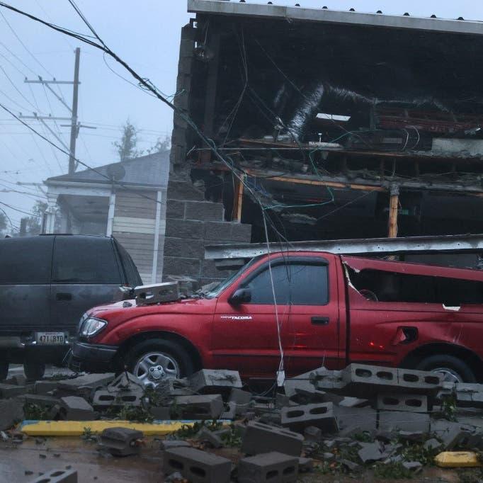 لقطات مرعبة لإعصار إيدا.. لويزيانا تغرق بالظلام والمياه