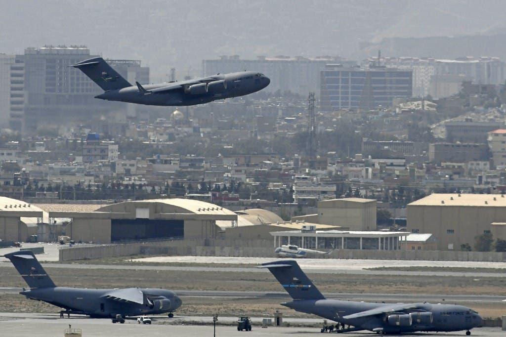 الرحلة الأخيرة التي أقلت قوات أميركية من مطار كابل