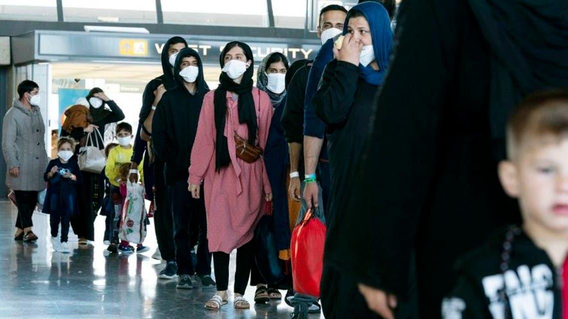 من العائلات التي تم إجلاءها من أفغانستان