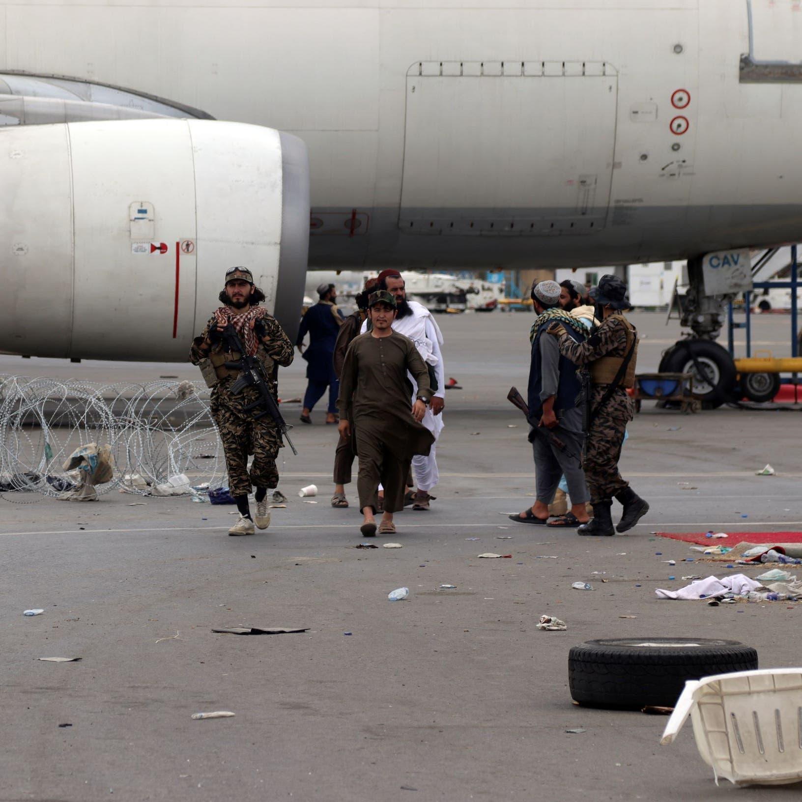 صور لطالبان تستولي على أسلحة أميركية.. البنتاغون: غير صالحة