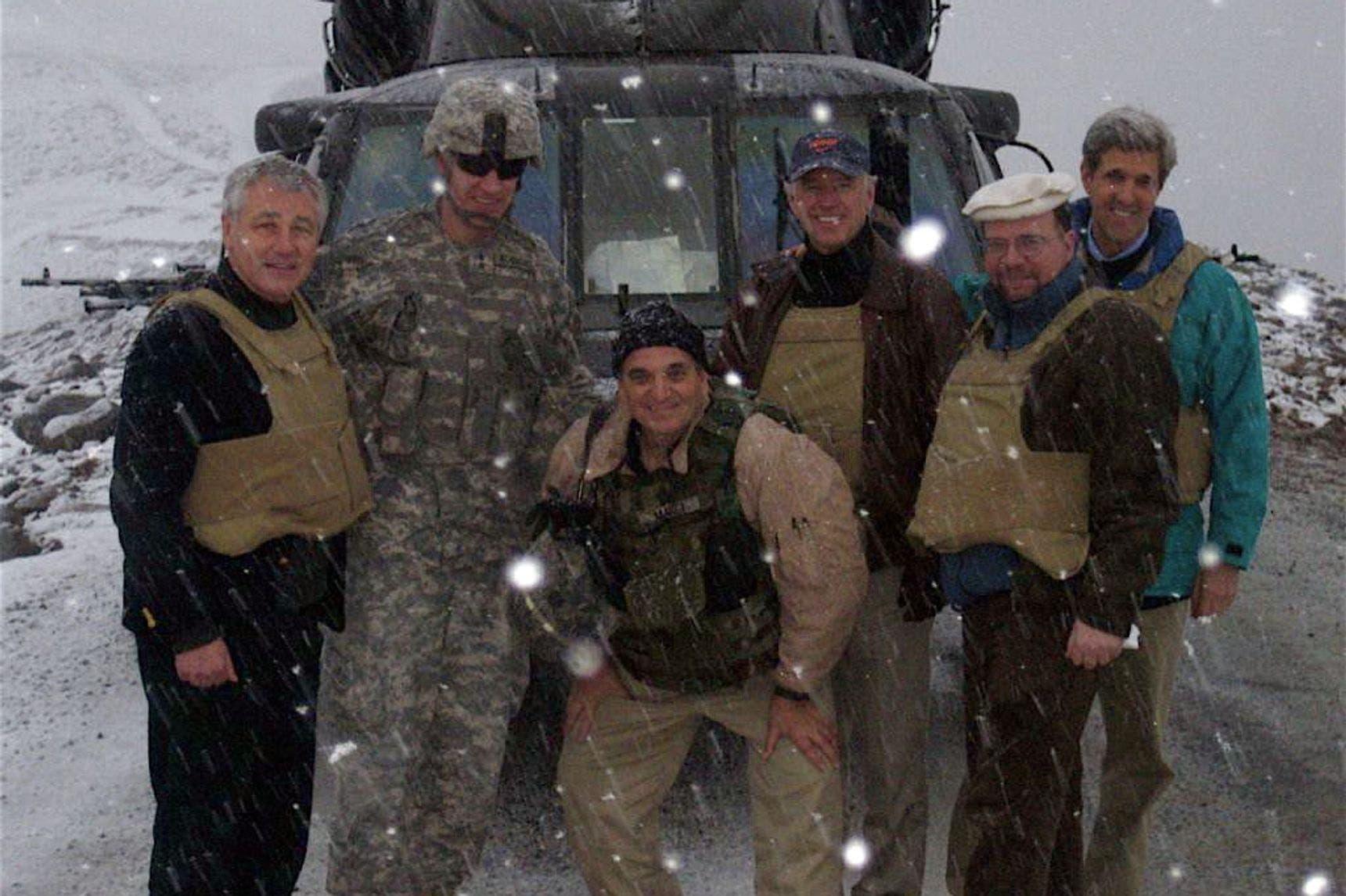 بايدن ورفقاؤه في أفغانستان سنة 2008