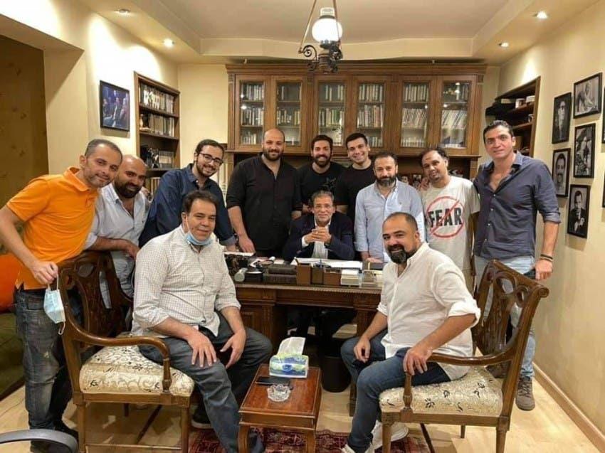 خالد يوسف مع فريق عمل الفيلم