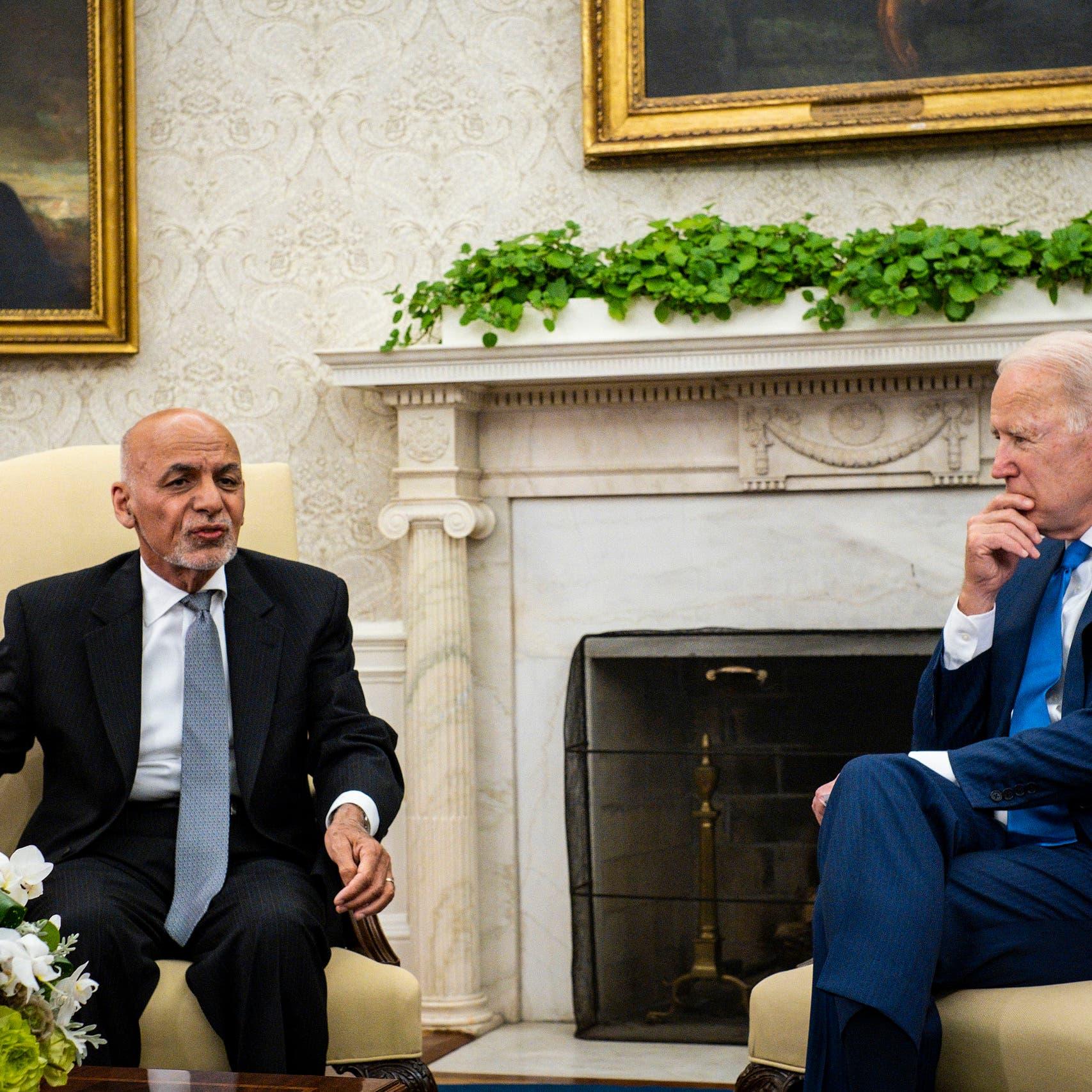 تفاصيل آخر مكالمة بين بايدن وأشرف غني قبل سقوط كابل