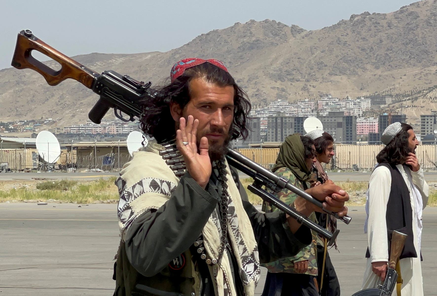 Taliban forces patrol near the entrance gate of Hamid Karzai International Airport, a day after U.S troops withdrawal, in Kabul, Afghanistan August 31, 2021. (File photo: Reuters)