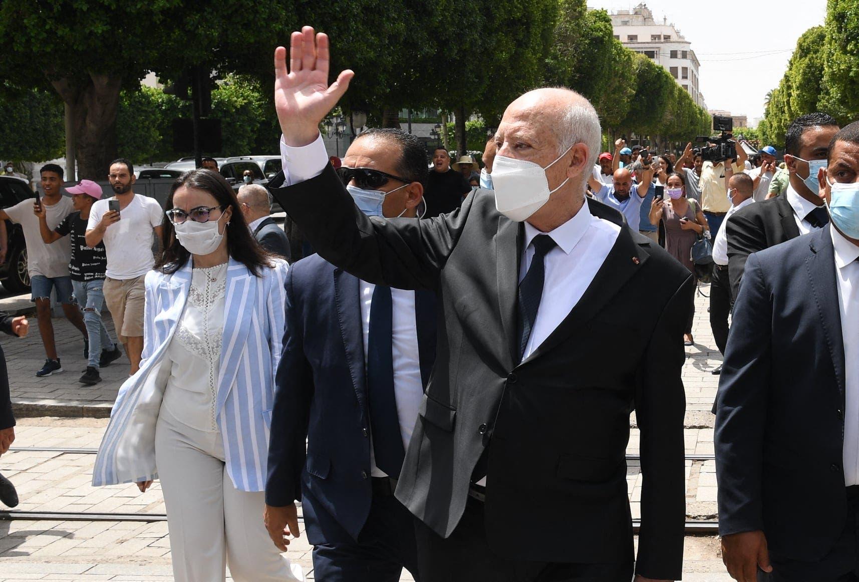 قيس سعيد يجول في العاصمة تونس (أرشيفية)