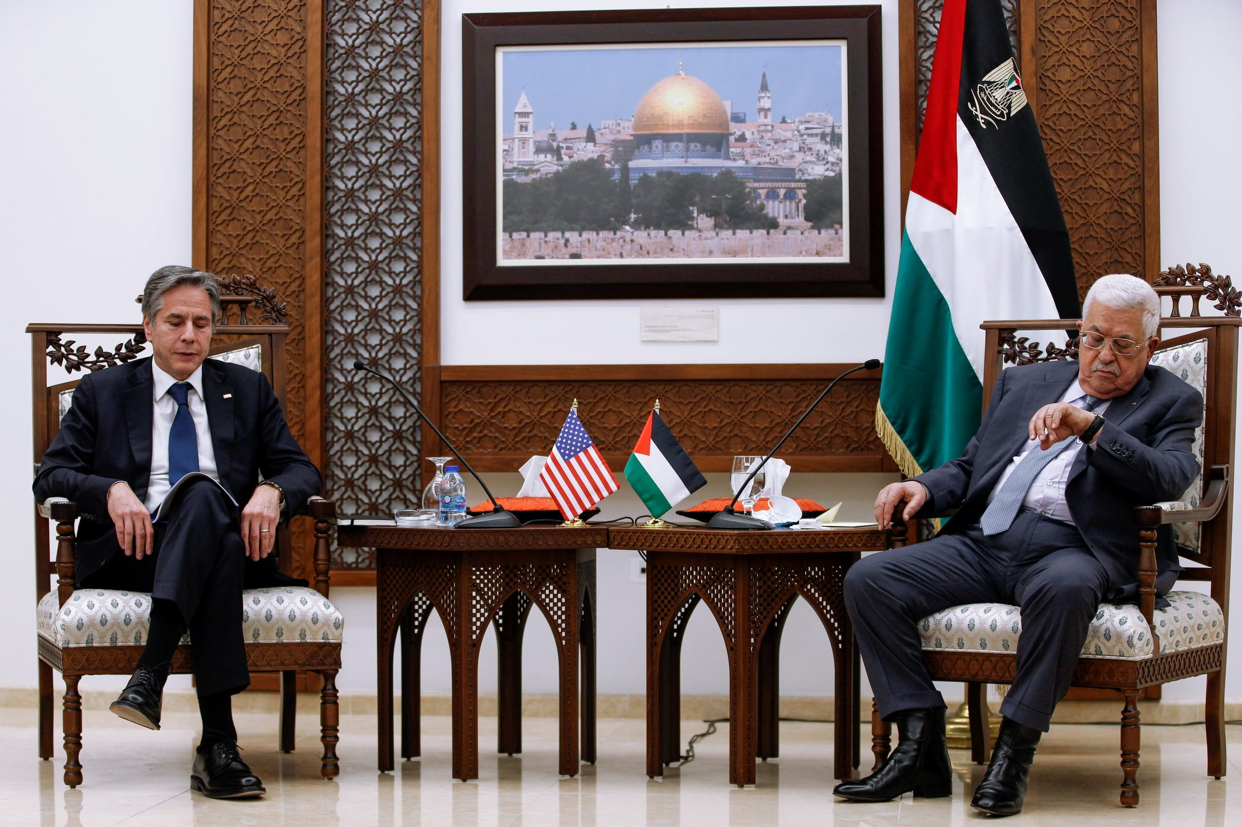 Abbas: Contacts with Washington are continuing, and it is with the two-state solution