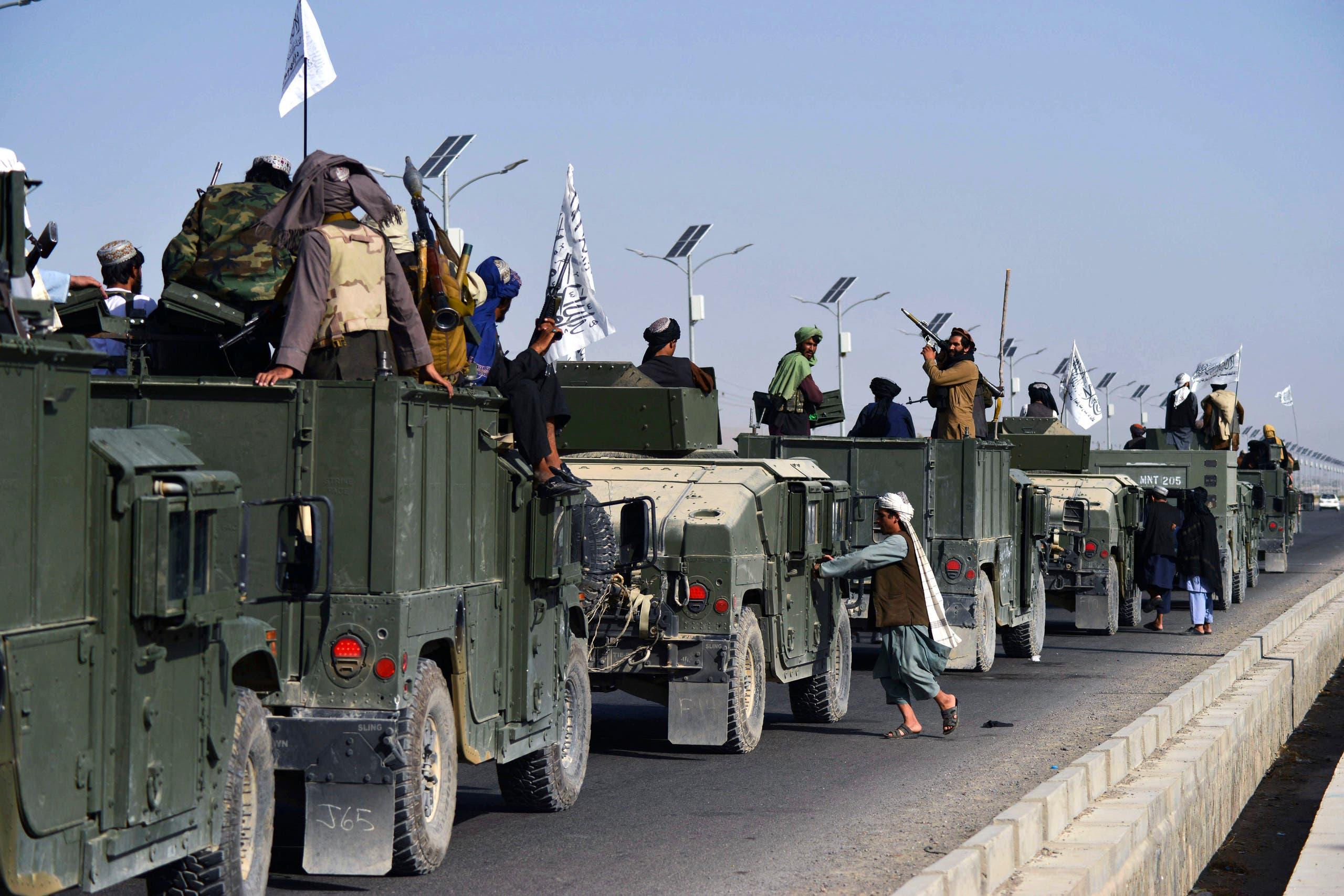 من العرض العسكري لطالبان في قندهار