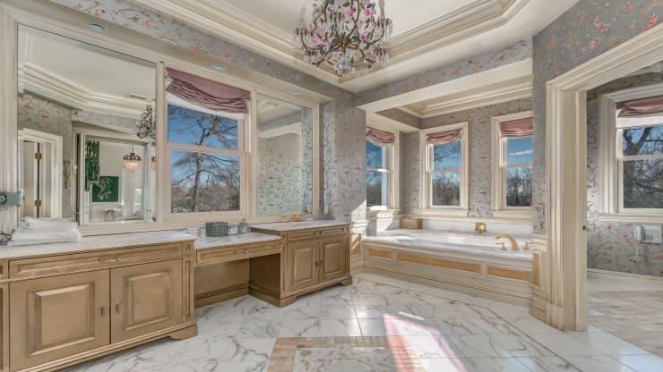 حمامات القصر