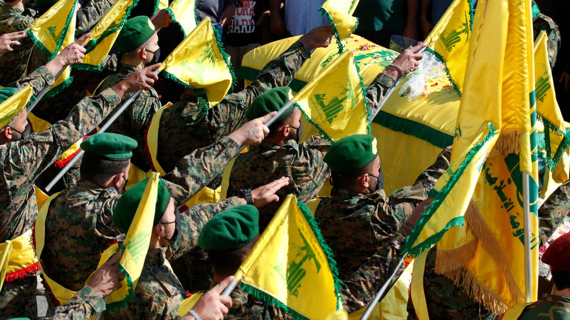 عناصر من حزب الله (أرشيفية- أسوشييتد برس)