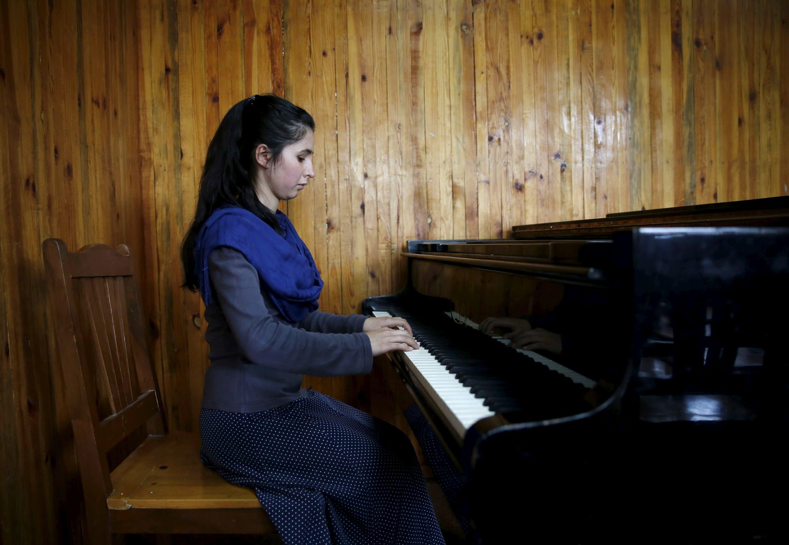 أوكسترا زهرة في أفغانستان (رويترز)