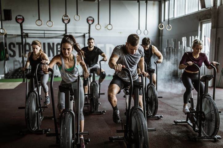 تمارين رياضية (آيستوك)