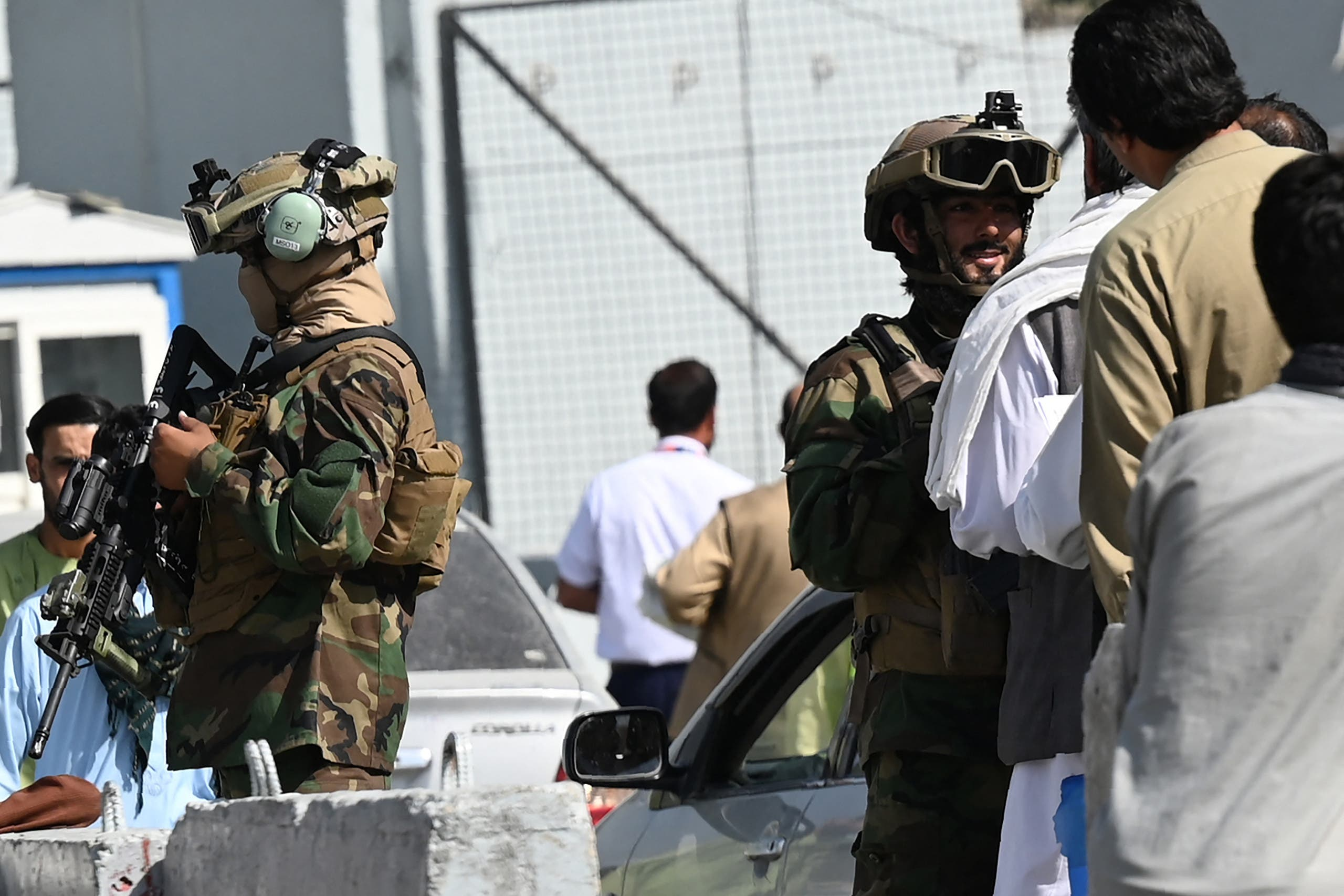Yesterday, Saturday, Taliban elements search the participants at the Kabul airport