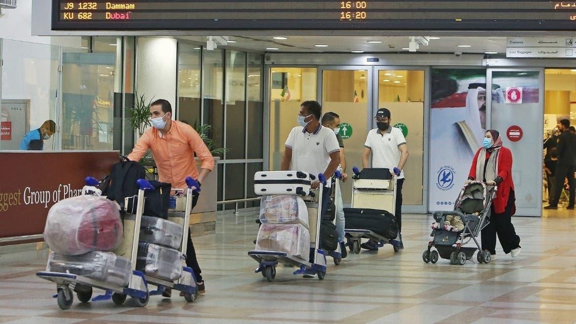 مطار الكويت مصريون في الخارج مناسبة