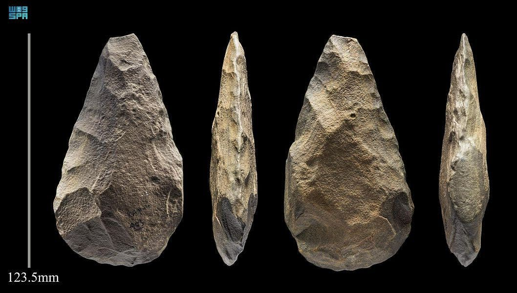Above this layer, stone tools as well as the first indications of the manufacturing technique known as Levallois, which was dated back to 200,000 years ago were found. (SPA)