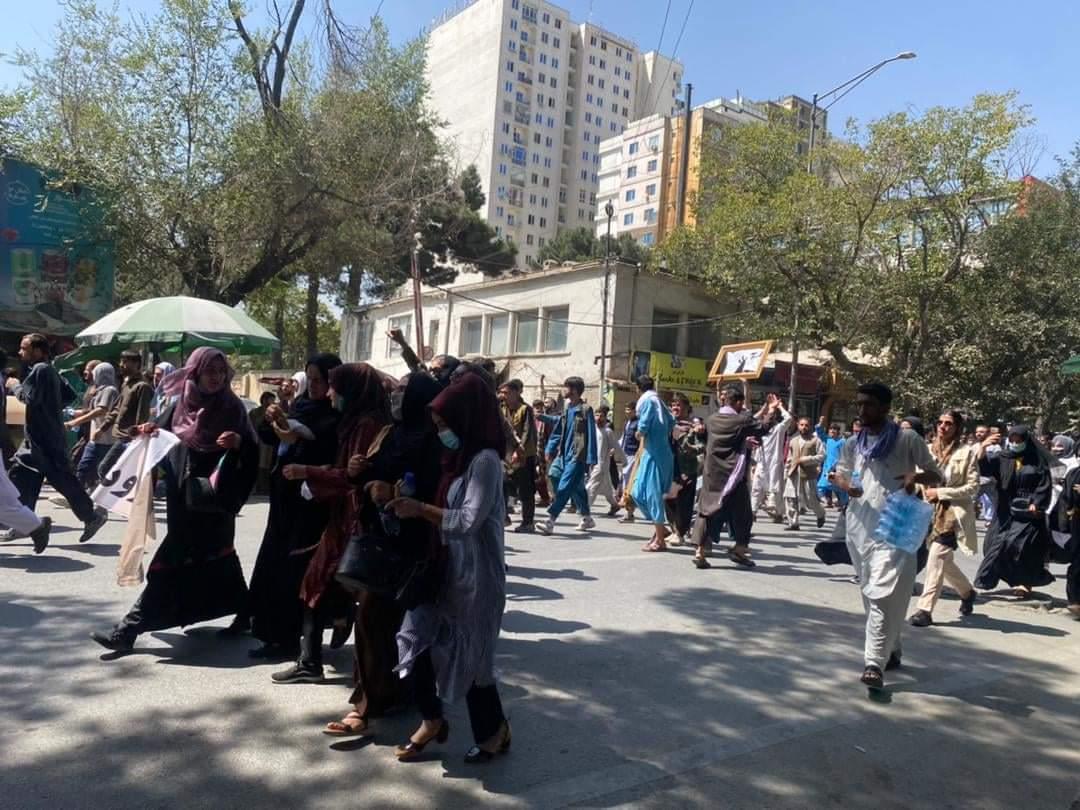 حضور اعتراضی زنان افغانستان علیه طالبان