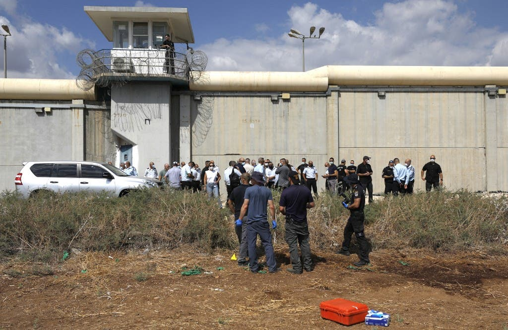 Clashes in the prisons of Ketziot and Ramon in Israel