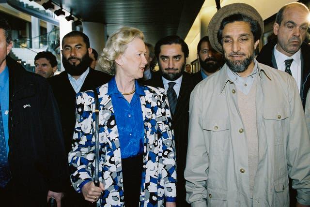 أحمد شاه مسعود أثناء لقائه بعدد من أعضاء البرلمان الأوروبي