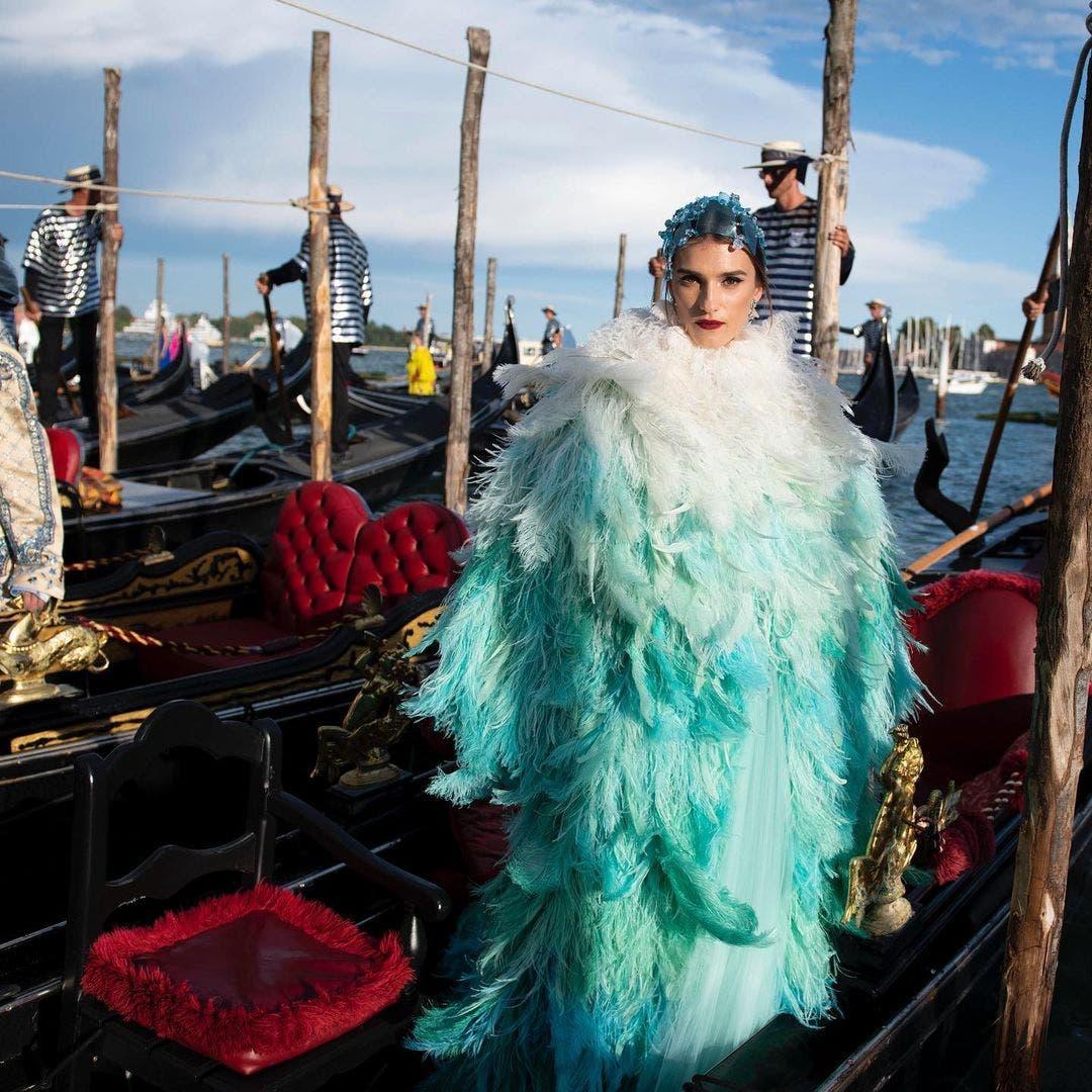 من عرض دولتشي أند غابانا للأزياء الراقية للخريف والشتاء المقبلين