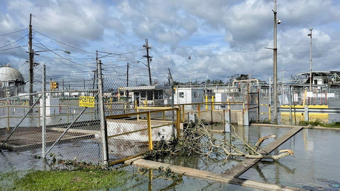 منشأة نفط أميركية متضررة من إعصار آيدا