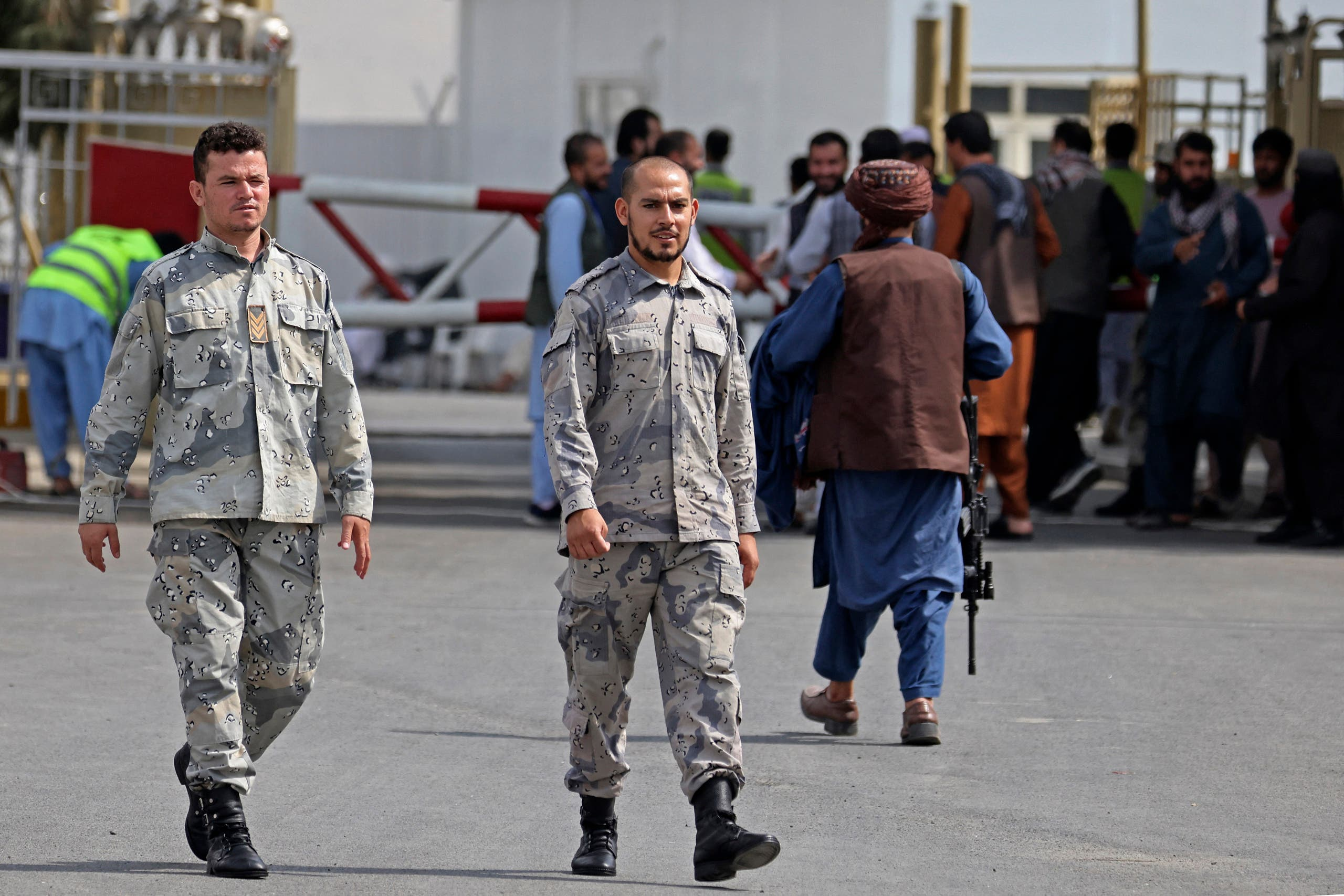 For the first time since the Taliban took power, police appear at Kabul airport