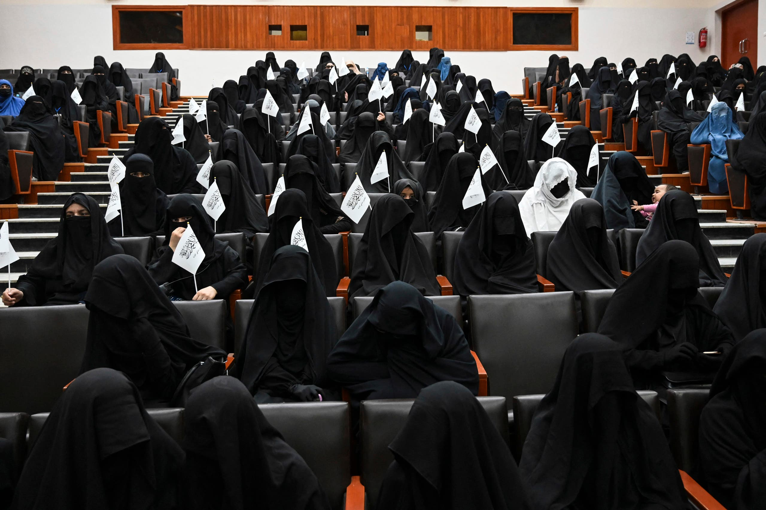 نساء مؤيدات لحركة طالبان في كابل (فرانس برس)