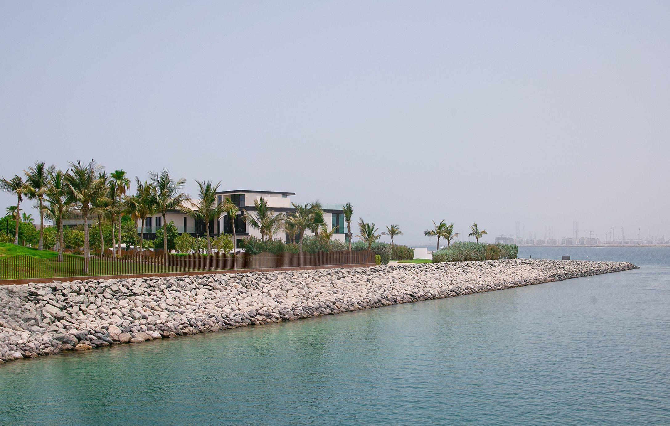 The largest property deal of 2021 was this vast Jumeirah Bay Island mansion which was sold to an unnamed European buyer revealed as a member of the Forbes Top 500 richest people in the world list.  (Supplied: Luxhabitat)