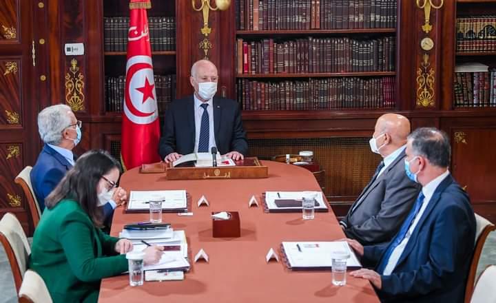رئیس جمهور تونس با تعدادی از اساتید حقوق اساسی و قانون اساسی دیدار کرد