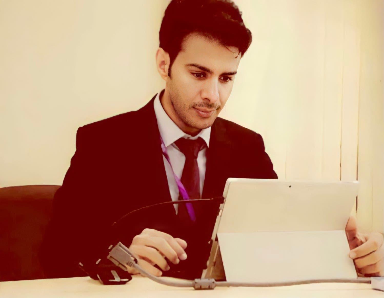 حمد بن جروان خلال رسالته للدكتوراه